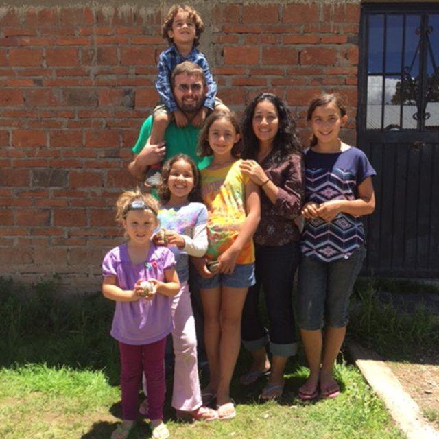 The Hanna Family, Mexico